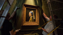 Exhibition on Screen Girl with a Pearl Earring